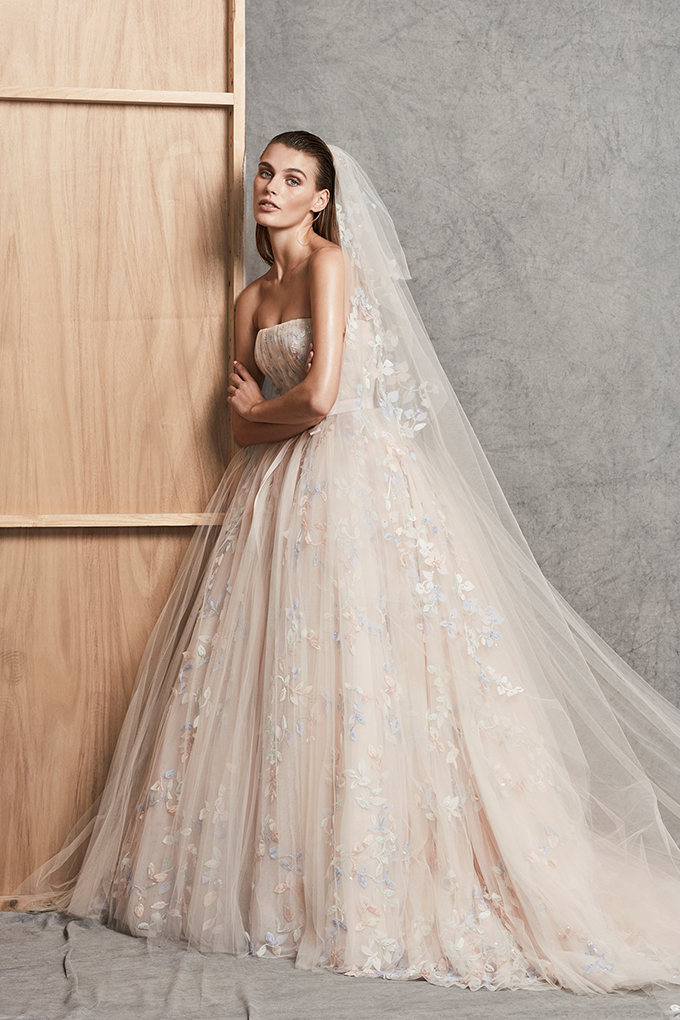 modern-luxury-wedding-dresses-we-adore-1-ZUHAIR-MURAD-1.