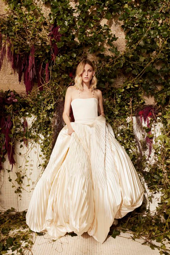 modern-luxury-wedding-dresses-we-adore-11-DANIELL-FRANKEL-1.