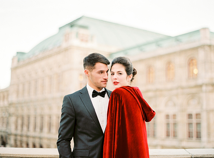 luxurious-romantic-photoshoot-vienna-01.