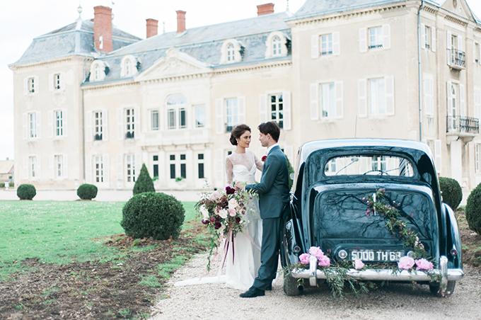 beautiful-elegant-wedding-inspiration-shoot-burgundy-accents-01