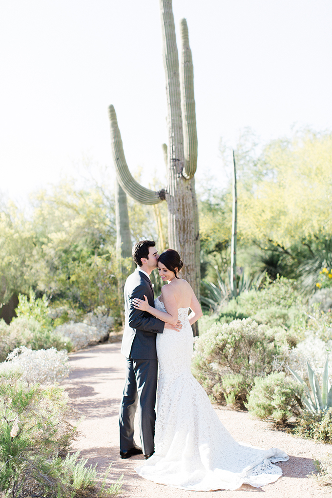 dreamy-wedding-green-white-hues-04