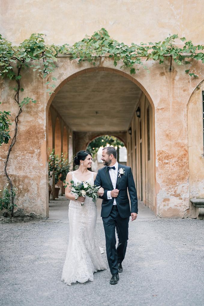 romantic-destination-wedding-grey-dusty-blue-hues_29