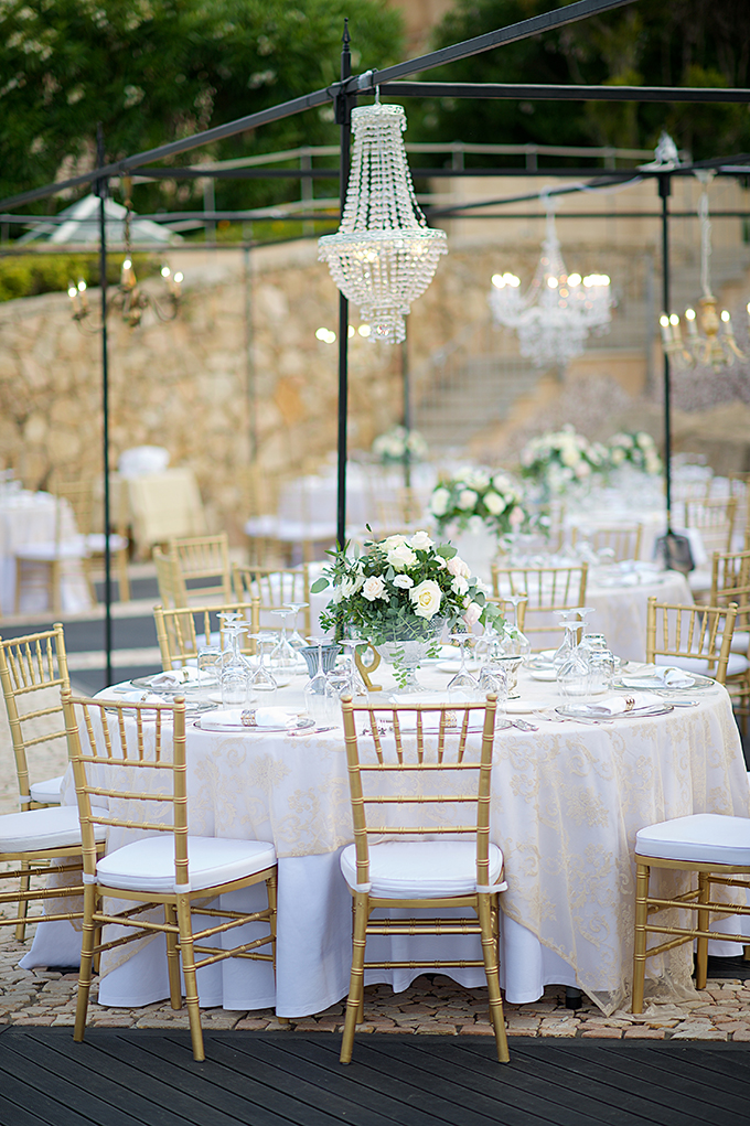 luxurious-wedding-crystal-chandeliers-gold-touches_17