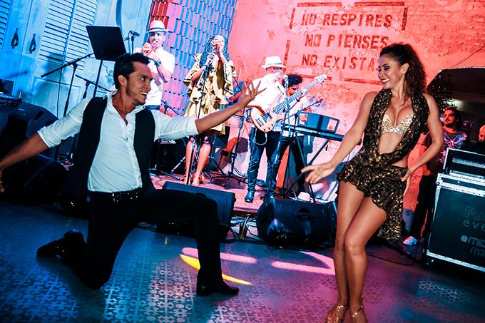 impress-guests-spectacular-entertainment-shows-la-clé-entertainment_13