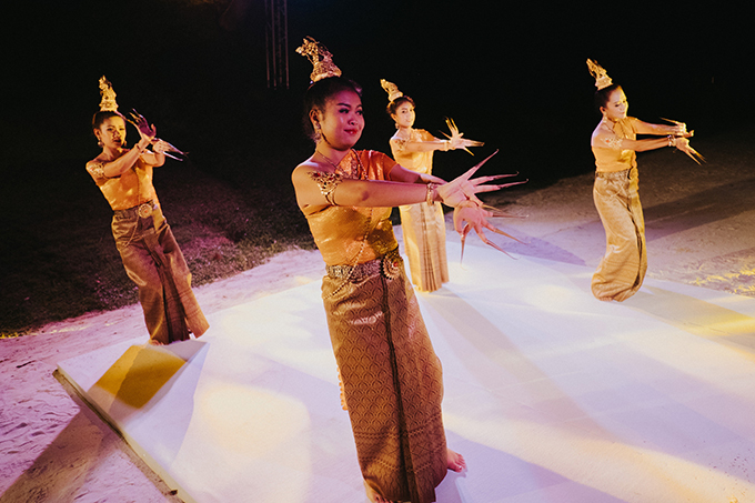 lush-tropical-wedding-thailand_39