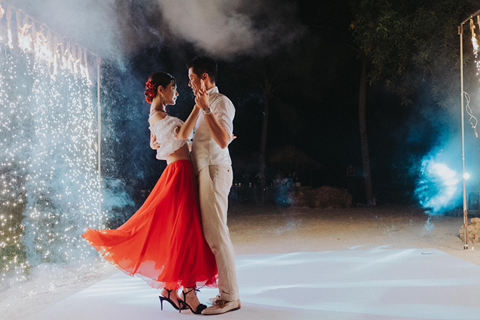 lush-tropical-wedding-thailand_40