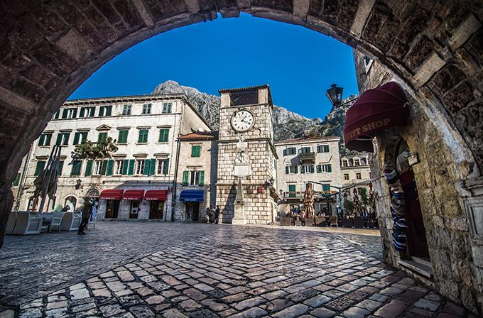 beautiful-destination-dreamy-wedding-kotor-montenegro_02