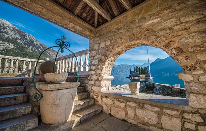 beautiful-destination-dreamy-wedding-kotor-montenegro_04
